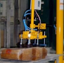 橡胶块搬运助力机械手