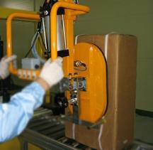 纸箱搬运助力机械手